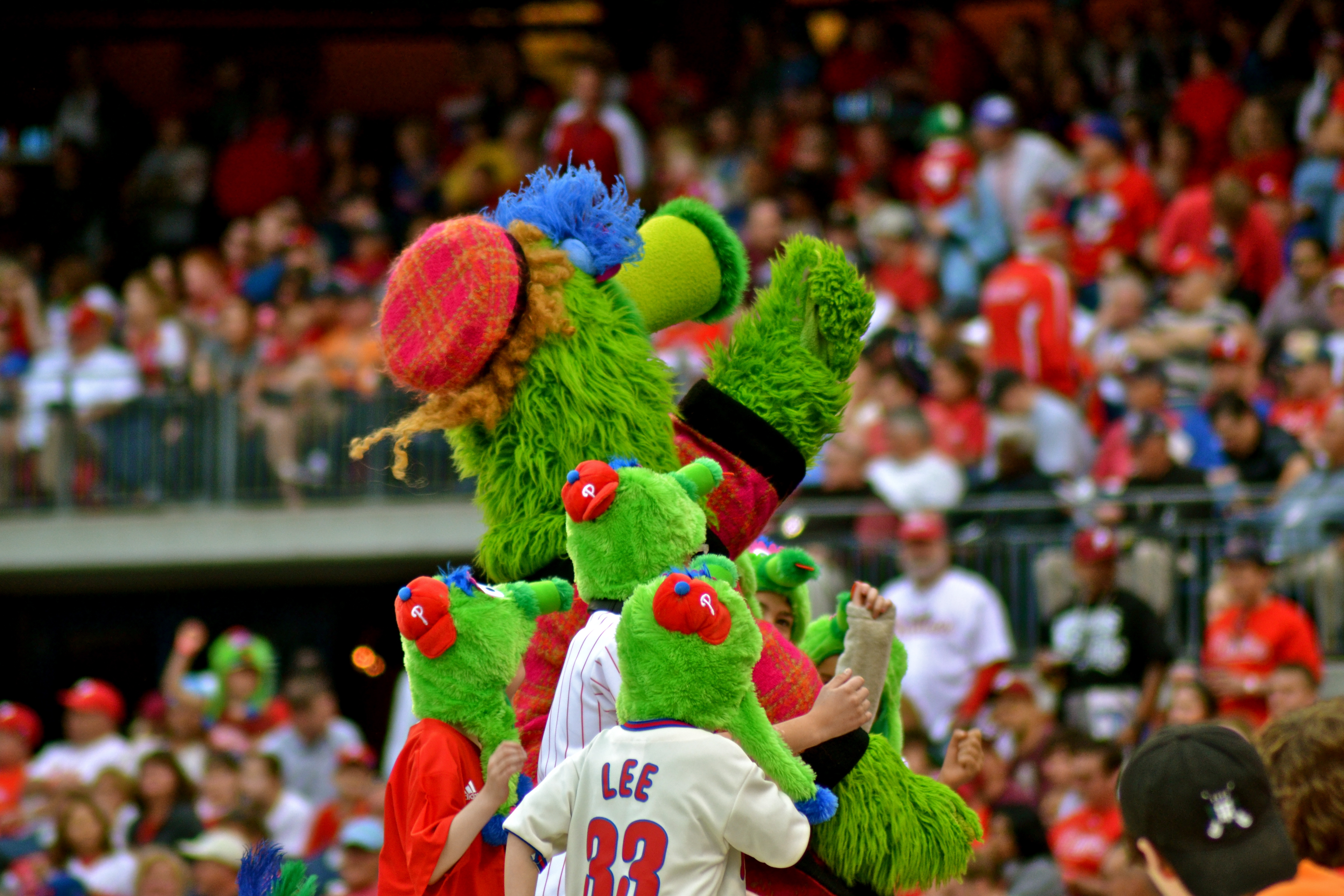 Philly Phanatic Mom Phillie Phanatic And Kids With